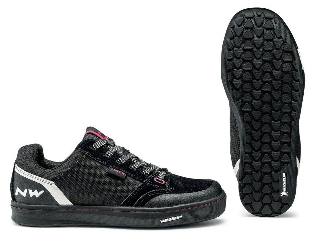 NORTHWAVE Flat Tribe kerékpáros cipő taposópedálhoz, fekete/fukszia